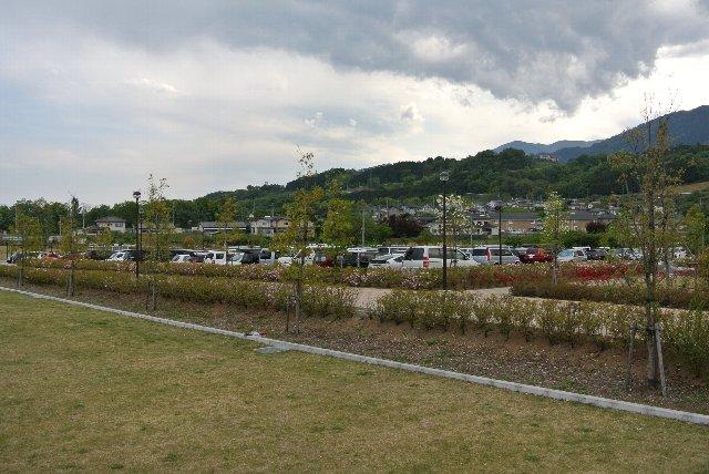 球場正面側が満車になると、こちらへ駐車するよう誘導されます。