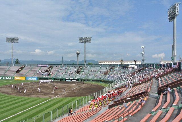 大都市ながら、街のど真ん中に自衛隊の駐屯地があるのは北海道ならでは。