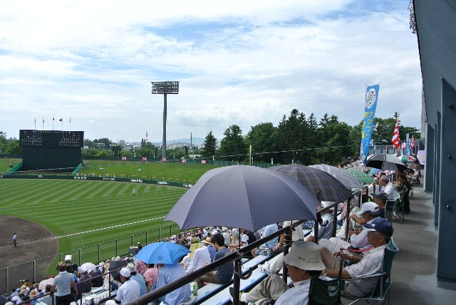 北海道の人達、暑さはからきし弱いですからね。