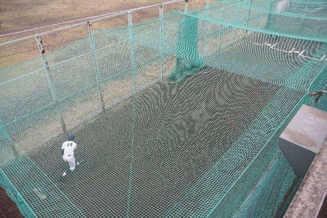 栃木県って、ブルペンをグラウンドに出さない球場が多いような気がする。