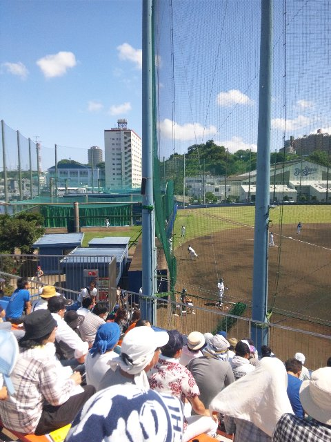 元々が練習場として作られた施設であるため、ホーム側は一度に3〜4人の投手が準備できるブルペンを備える。