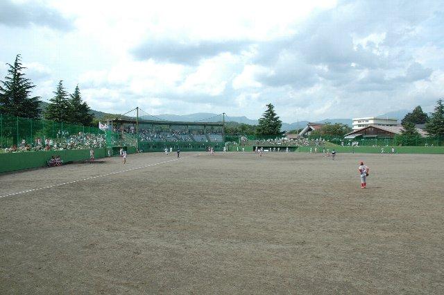 内外野ともにクレー舗装の球場は、BCリーグ使用球場の中では珍しい。