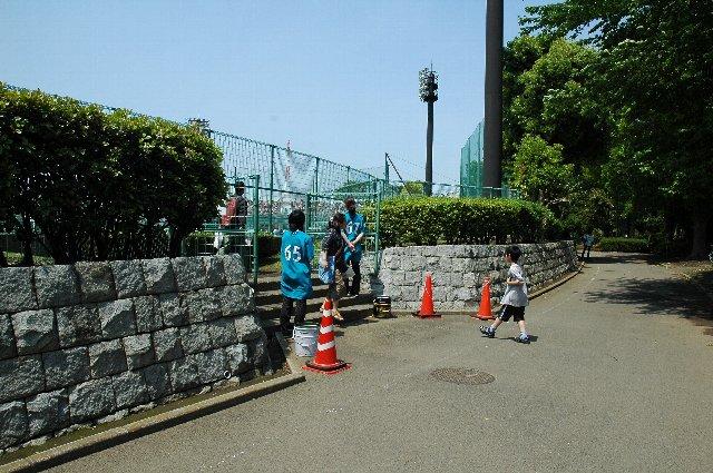 この日の当日券は、内野席が1500円で、外野席を1000円で販売してました。