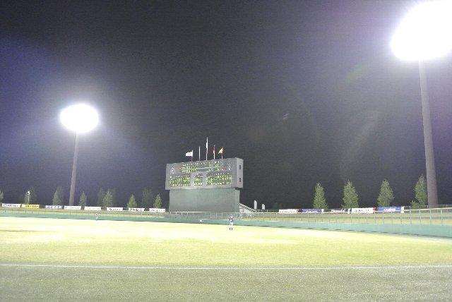 グラウンドレベルで球場を見れて、面白い場所ではある。