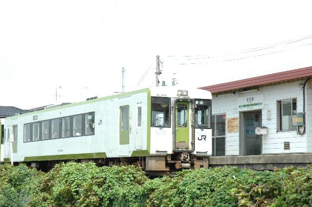 新津駅と五泉駅の間は比較的本数もあり、利用しやすい区間です。