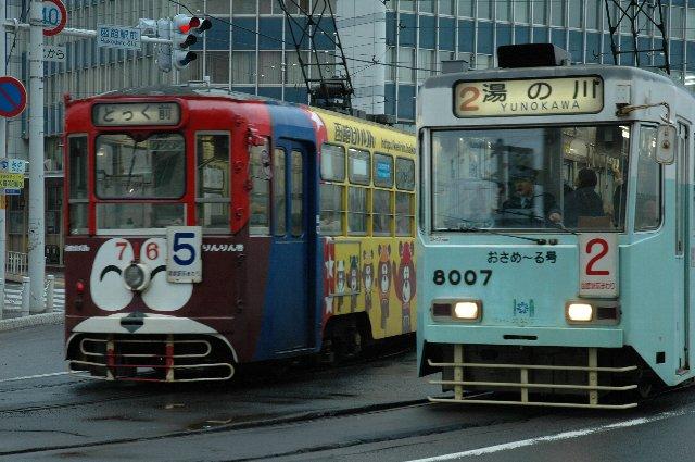 函館駅から球場へ向かう時にも、市電が最も便利です。