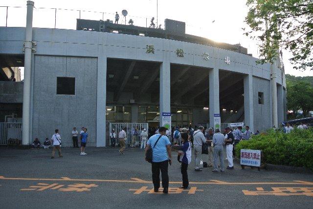 比較的近い場所にありながら、なかなか観戦機会を作れなかった球場の一つです。