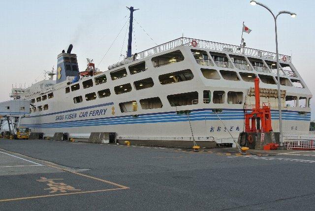 新潟港と両津港とを結ぶおおさど丸です。