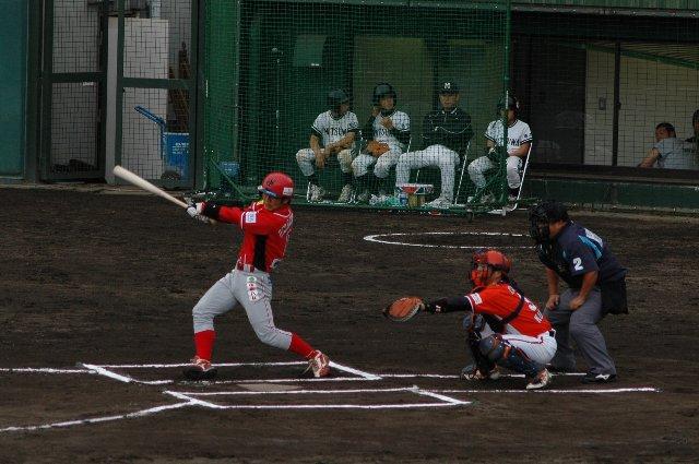 本塁打→三塁打→二塁打と放ち、あと単打が出ればサイクルヒット達成だった。