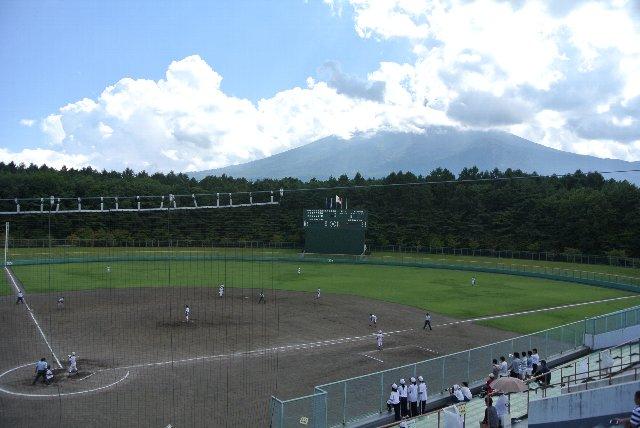 山梨県富士北麓公園野球場