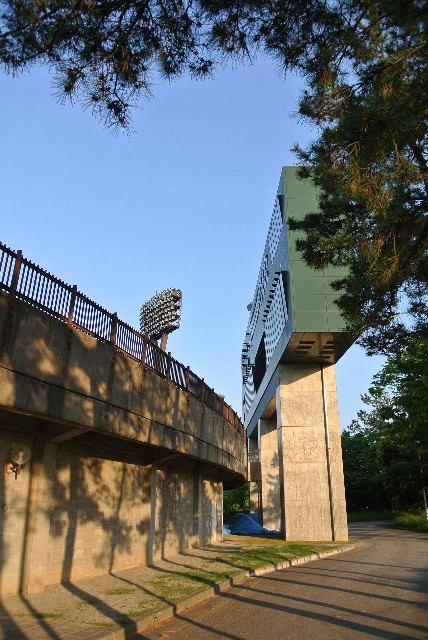 球場の外側に作られているのは珍しい。