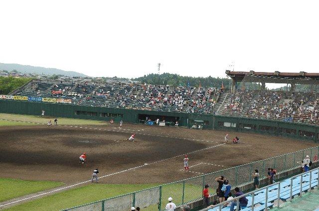 視界を遮るものがほとんどない、観戦し易い球場