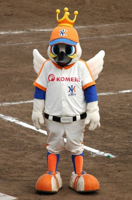 BCリーグのマスコットの中では「怖い」系に位置するマスコットかも知れません(笑)。