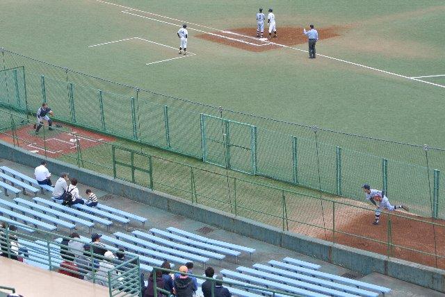 横浜スタジアムを模したといいつつ、何故にこんな場所にブルペンがあるのか!