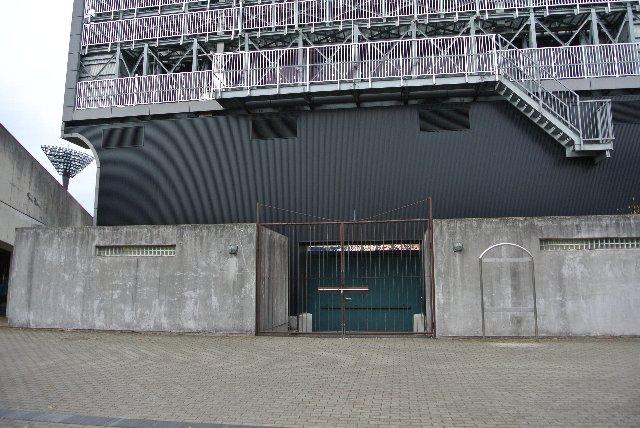 NPBの試合では、おそらくこちらの入口を開けるものと思われます。