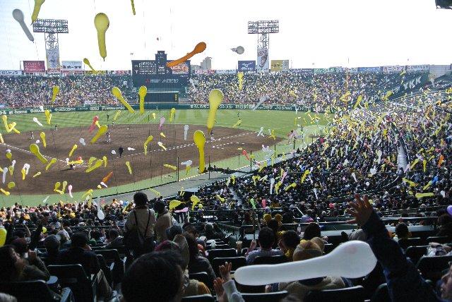 野球中継で故河島英五氏が「卵子に向かって旅立つ精子のようだ」と表現したジェット風船