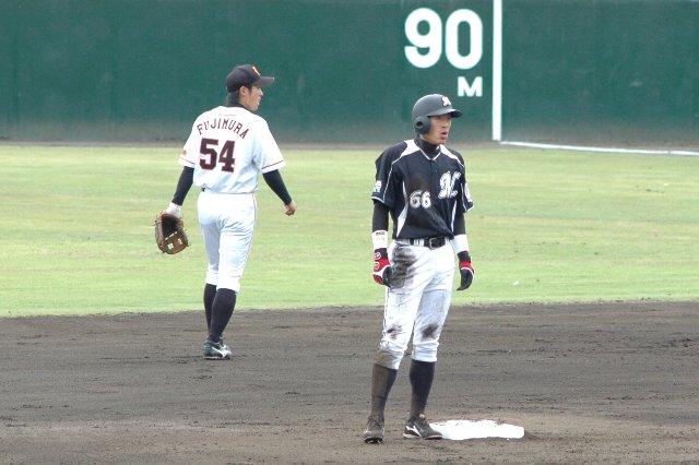 一軍で野手の怪我が相次いでおり、岡田君もこの1週間後に一軍へ緊急招集されることになる。