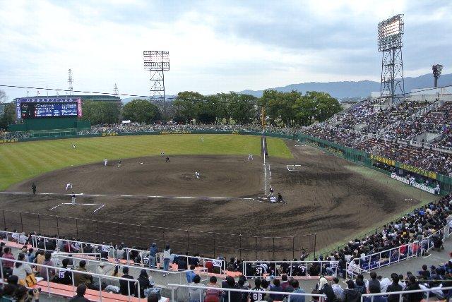 女子プロ野球の本拠地になったせいか、観戦環境が改善されているように思えた。