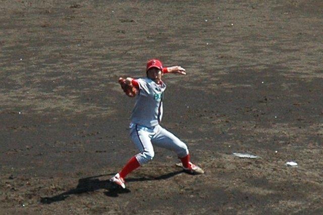 速い球はないですが、コーナーを丁寧につく投球で試合を作れました。...が、今日も打線の援護無しです。