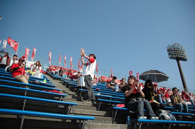 今日の観客は3419人、長野からグランセローズファンが大勢訪れたことが貢献してます。