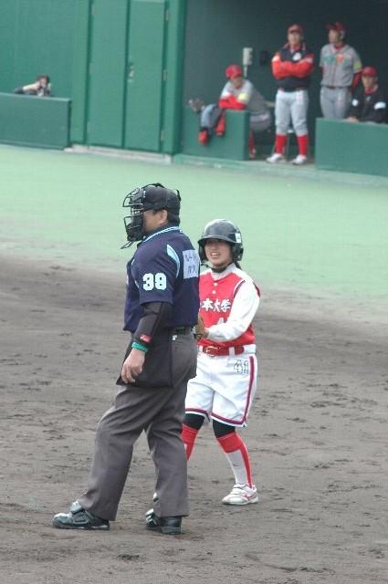 少年野球の子供達が駆け回るのも微笑ましいけれど、うち的には女子野球部の人が駆け回る方が好きだなぁ♪