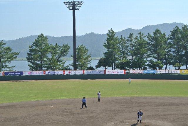 この球場が風光明媚と言われる所以です。