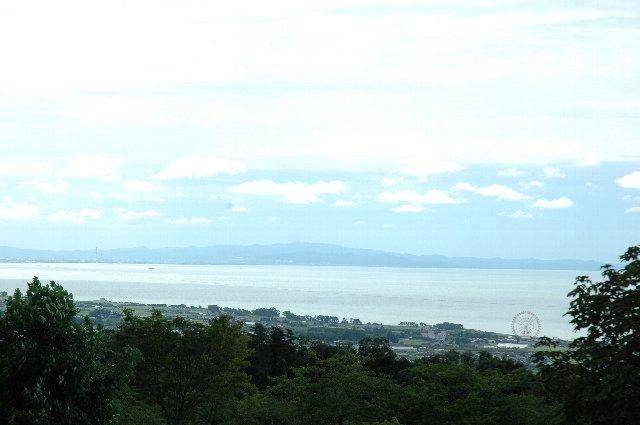 スタンドから海が見える球場って、惹かれるものが多いですね。