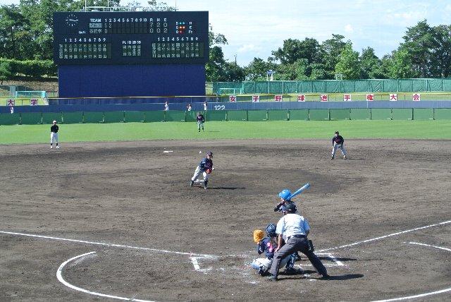 女子野球が球速が遅いので、写真を撮るにはもってこい♪