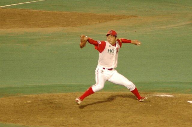 鈴江君に遅れること一年、2009年ドラフトで阪神から育成枠で指名されました。