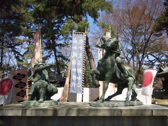 交通アクセスが悪いオリンピックスタジアム。新宿からの高速バス利用も一つの解決策、川中島古戦場脇にある八幡社で必勝祈願は如何?
