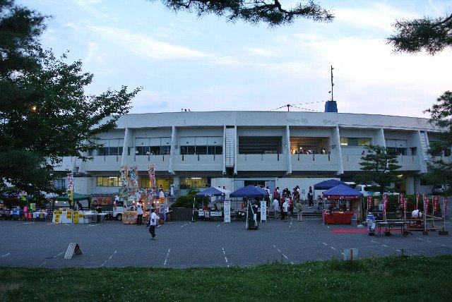 年に一度の開催ながら、長野市街地での開催とあって、オリスタと同レベルの露店が出ていた。