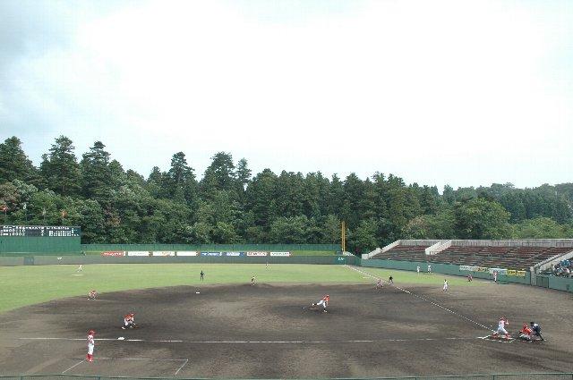 長岡市悠久山野球場