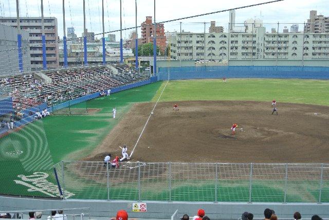 随所に往時の面影を偲ばせてくれる味のある球場でした。