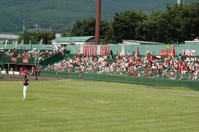 この日は、試合開始前30分にして、三塁側内野席がほぼ満席となった。BCリーグの試合では非常に珍しいケース。