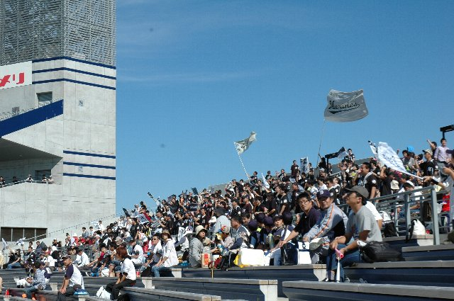この日はファーム日本選手権、前日に千葉で応援していた応援団が大挙して新潟へやってきました。