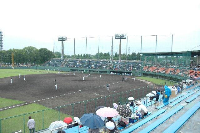 雨が降らなければ、もう少し精力的に球場内をうろついたんですけどね(汗)。