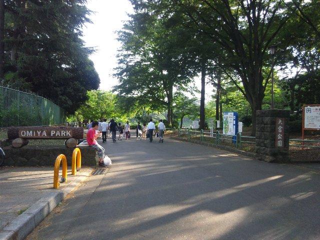 大宮公園駅からスタジアムを目指す際は、この門を通ることになります。