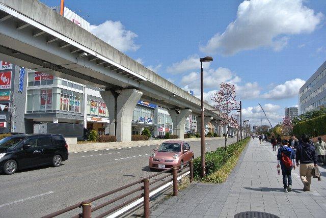 大曽根駅から東へまっすぐ一本道で分かり易い。