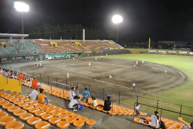 三条市民球場
