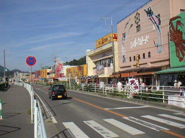 カニとか北海道直送の魚が多く、意外と地元水揚げの魚が少ないのが残念。