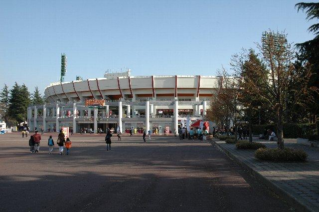 2005年、フルキャストスタジアムへと生まれ変わった直後の画像。現在はもっと華やか。