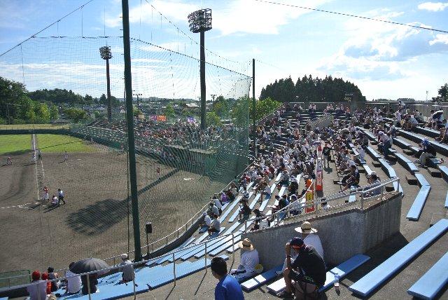 グラウンドがそこそこ広いので、観戦環境を改善すれば、NPBファームの試合は開催できると思うのだが...。