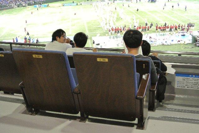 座席密度が高いエリアでも、この程度の列数しかありません。