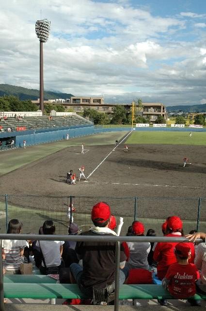 試合終盤にようやく青空が広がり、明るい元で試合観戦を楽しめました。