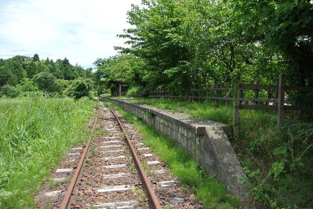 線路もしっかり残っており、当時の雰囲気をそのまま残している。