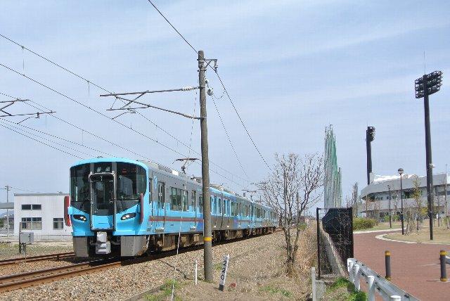 普通列車ばかりが走るつまらない路線になってしまいました。