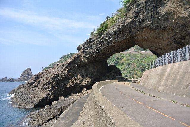 崩落の危険ありとのことで、国道としての役目を終えてしまったのが残念。
