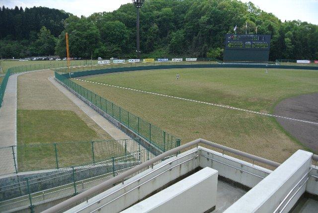 うちが観戦した日は内野スタンドのみ開放されていました。