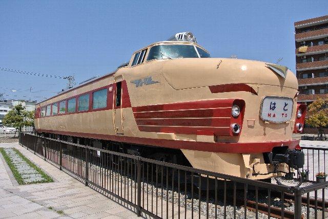 車内にも入ることができます(無料)。車内は往年の列車写真などが展示されています。