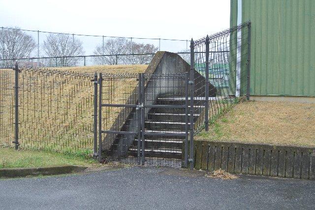 大きさからしてこちらの入口を使うことはなさそうですね。